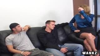 Kayla Quinn adora sedersi su un cazzo