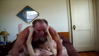 un vecchio pervertito e una donzella