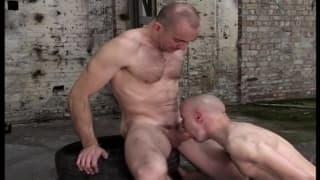 Due gay che si sentono molto eccitati!