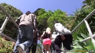 Kacey in Gangbang interrazziale