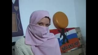 Rubi è una giovane tunisina arrapata