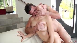 Zoey Monroe è questa pornostar arrapata