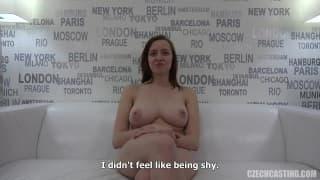 Zuzana si fa scopare a un casting porno
