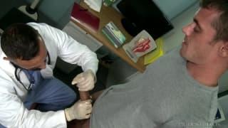 Il dottore ha un paziente molto caldo