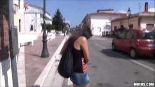 Valentina nappi parla in italiano e fa sesso