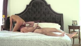 Megan Rain gode con il cazzo di Manuel
