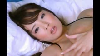 Enorme asiatico tette porno