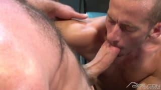Peloso uomini porno