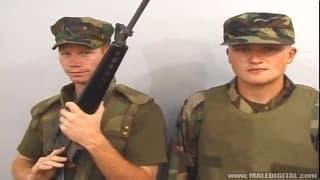Ryan e Kyle sono due soldati eccitati